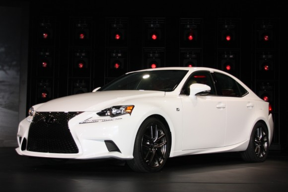 Detroit 2013: Lexus IS