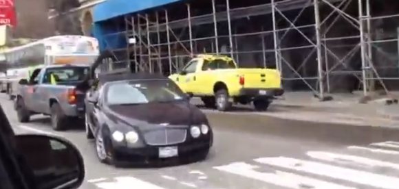 Como no remolcar un Bentley Convertible