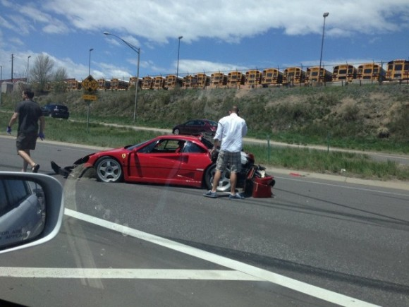 Destrozan un Ferrari F40 en Denver