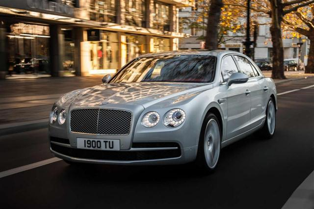 Bentley añade el V8 Twin Turbo al Flying Spur