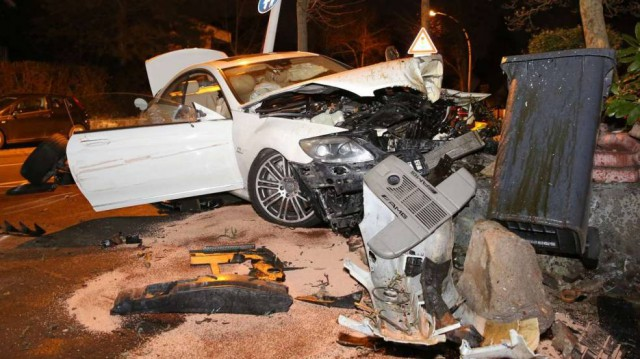 Destrozan un espectacular Mercedes CL65 AMG en Alemania
