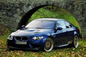 BMW M3 GTR M500 Golden Edition por Petersport