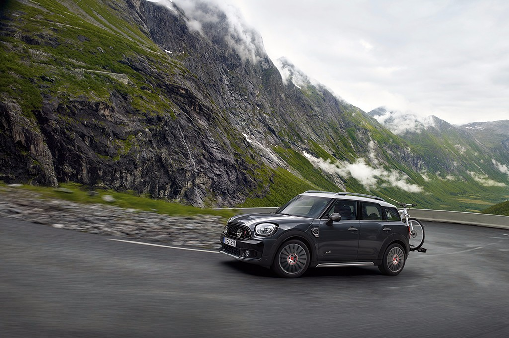 As es el cat logo de accesorios del mini john cooper works for Catalogo de accesorios