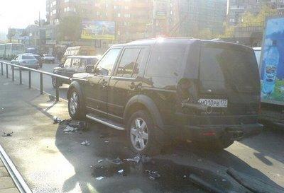 Land Rover Discovery atravesado