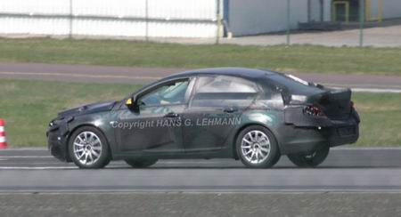 Nuevo Opel Vectra, cazado