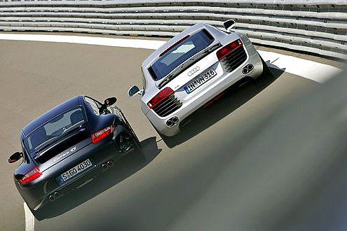 Audi R8 y Porsche 911 4S, persiguiendo el trono