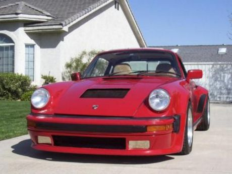 Porsche 911 Turbo con un V8 Chevy