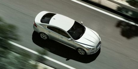 Escaneado análisis de Car & Driver del nuevo Jaguar XF