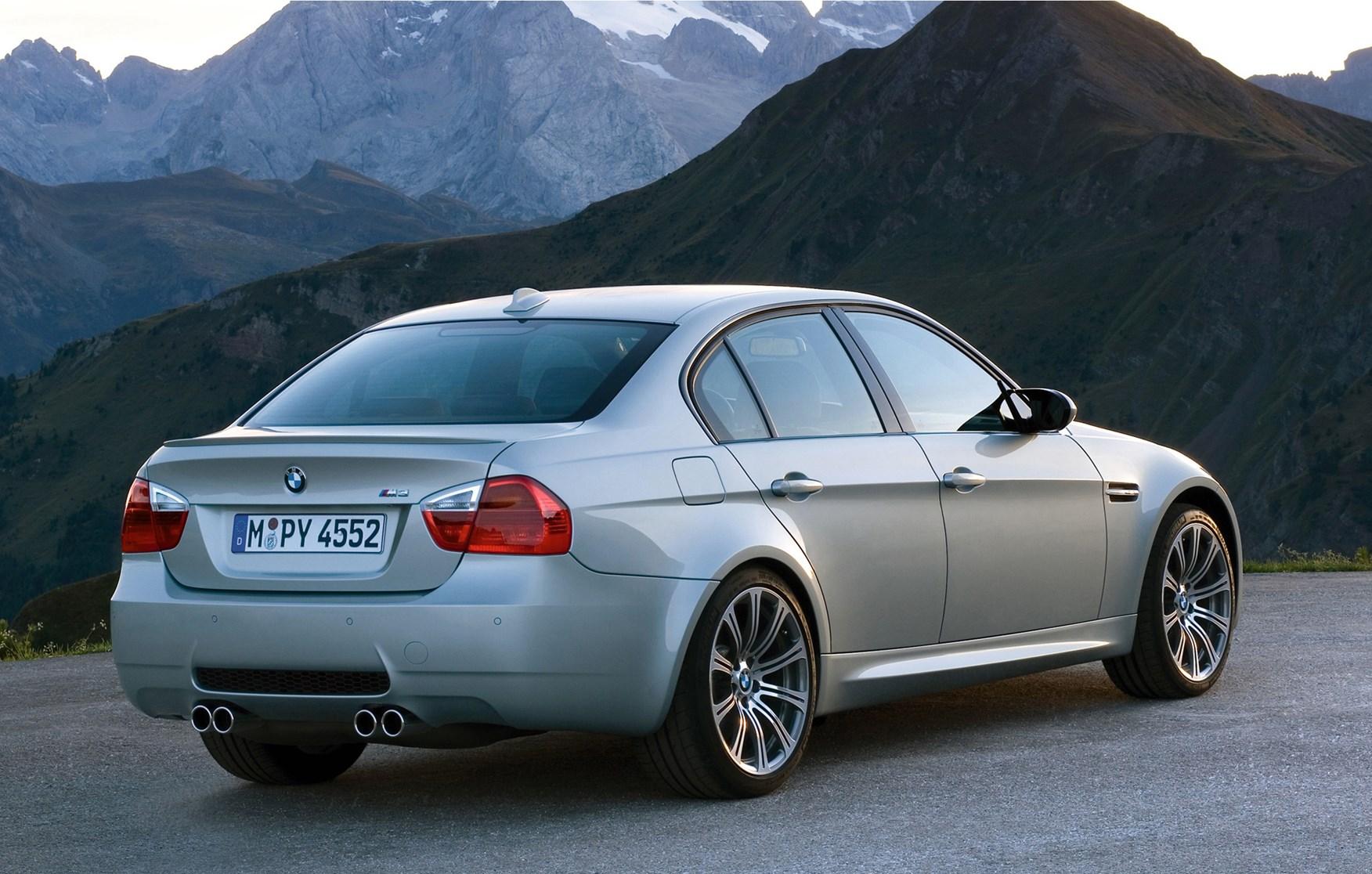 BMW M3 sedán, información y galería fotográfica