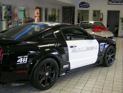 Mustang Barricade
