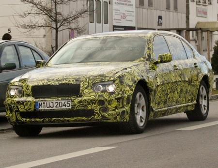 BMW Serie 7 camuflaje