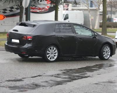 Toyota Avensis familiar