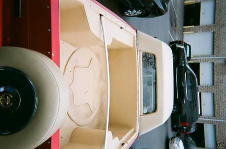 Cadillac Baywood a la venta en eBay con... ¡piscina!