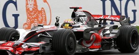 Hamilton, ganando en Spa