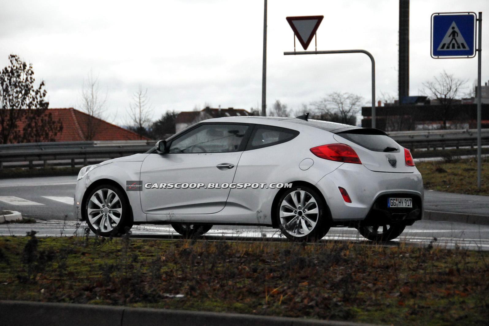 2012-Hyundai-Veloster-3