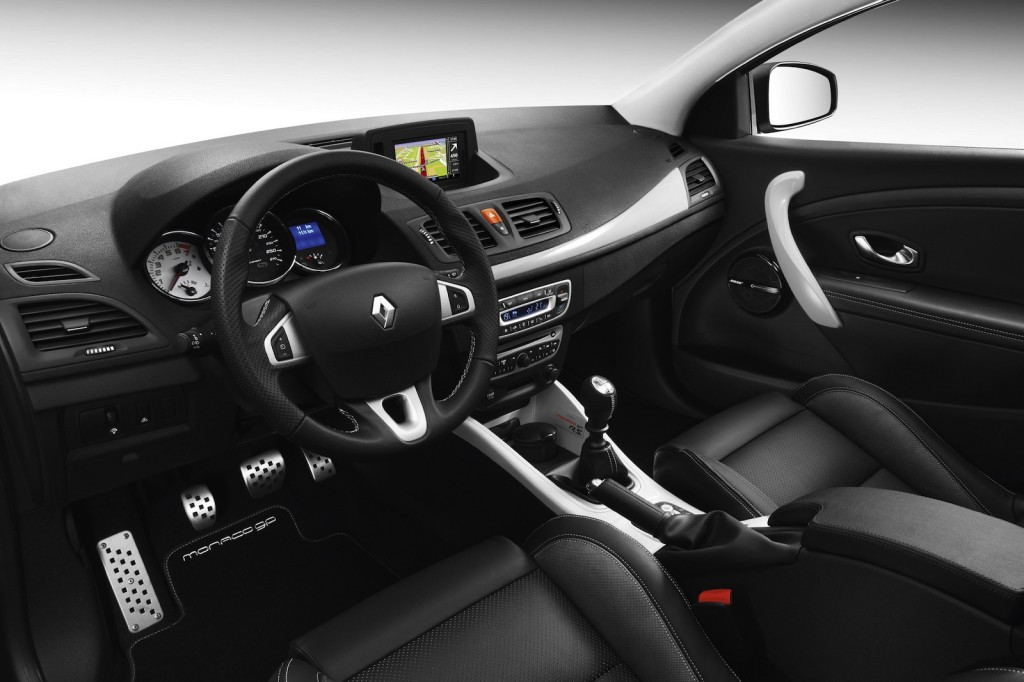 Renault_Megane_Coupe_Monaco_GP_2011_12-1024x682