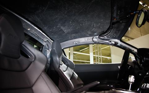 audi-r8-v10-lightweight-prototype-carbon-fiber-roof