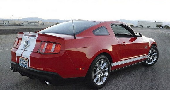 02-shelby-gts-mustang