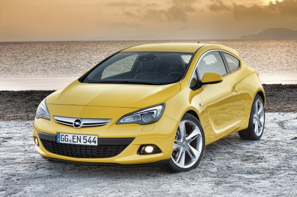 Opel Astra GTC, nuevos detalles y fotos oficiales