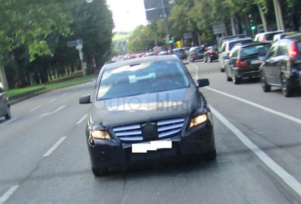 MercedesBClass_3
