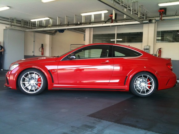 mercedes-c63-amg-black-series-1