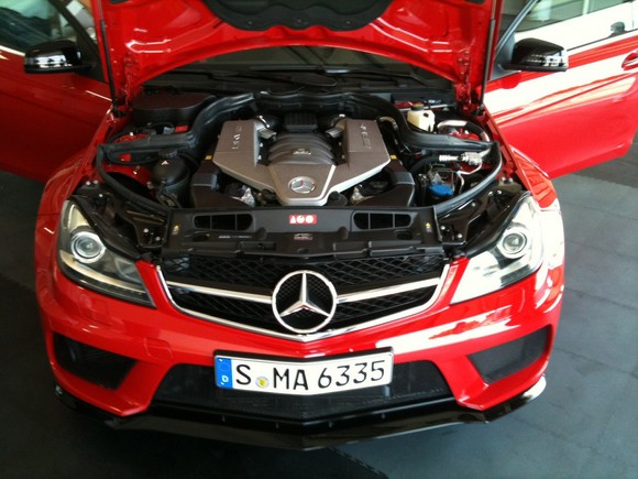 mercedes-c63-amg-black-series-4