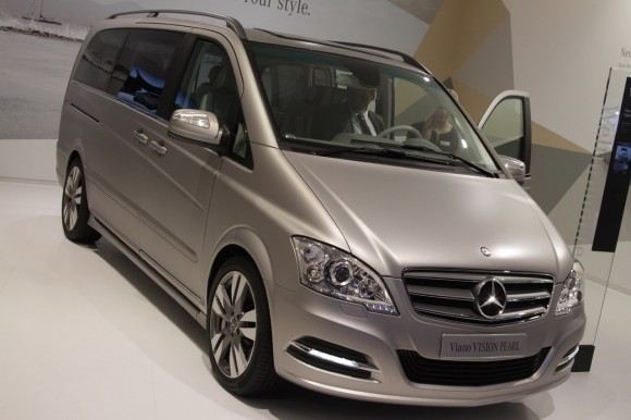 01-mercedes-benz-viano
