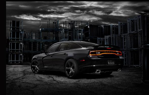 04-2012-dodge-charger-blacktop