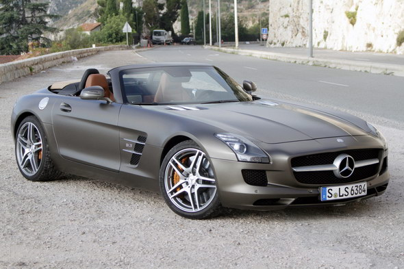 Mercedes-SLS-AMG-Roadster-1