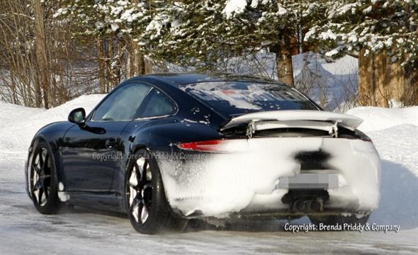 2013-Porsche-911-GT3-spy-photo-101-626x382