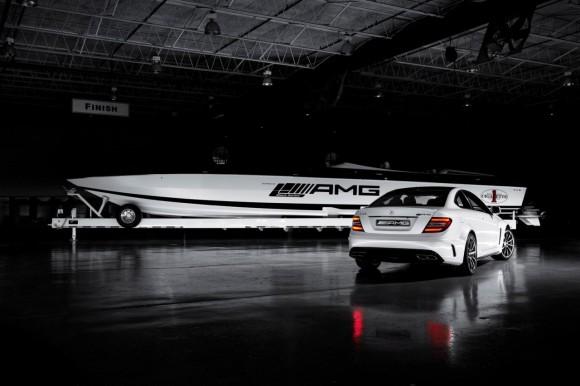 AMG Black Series 50' Marauder Cigarette