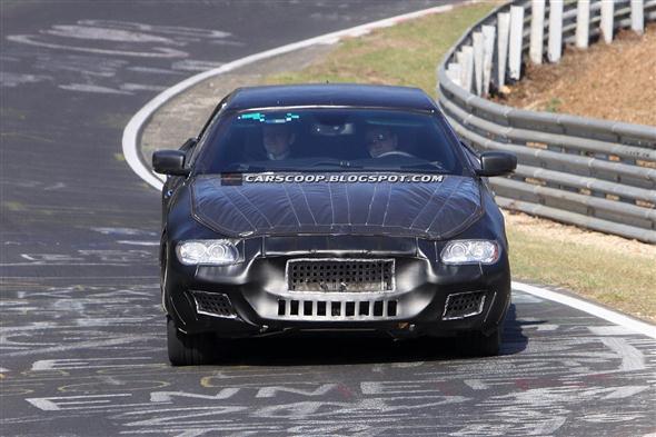 2013-Maserati-Quattroporte-Sedan1[3]