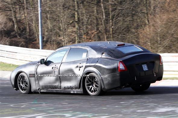 2013-Maserati-Quattroporte-Sedan5[3]