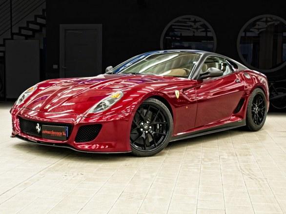 Romeo_Ferraris_Ferrari_599_GTO_01