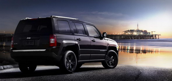 big_Jeep_Grand_Cherokee_Compass_Patriot_Altitude_09