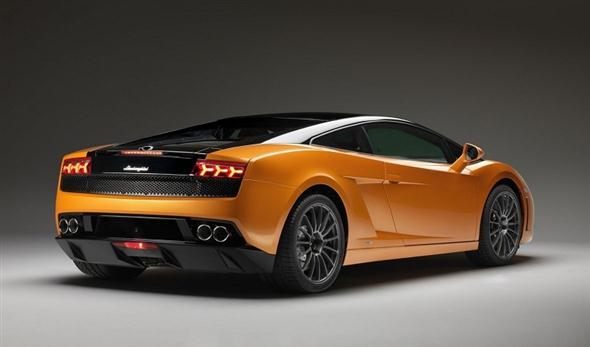 Lamborghini-Gallardo-LP550-2-Bicolore-Rear-Angle-View
