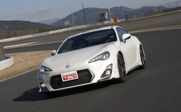 Toyota-GT-86-TRD-front-three-quarter-2-623x389