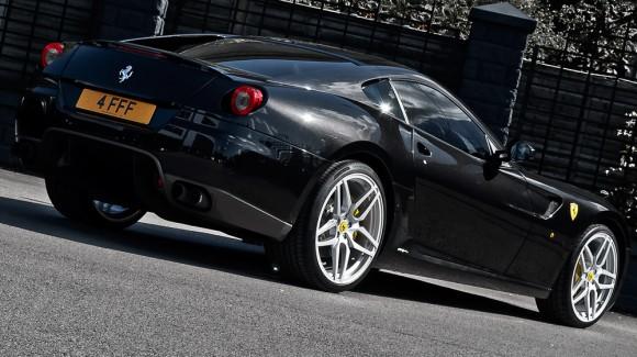 Kahn-Ferrari-599-4