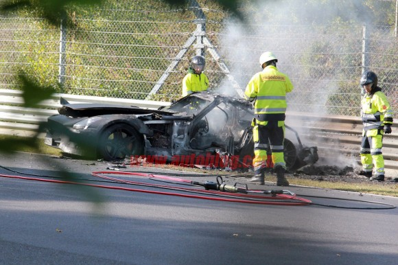 001-mercedes-benz-sls-amg-crash