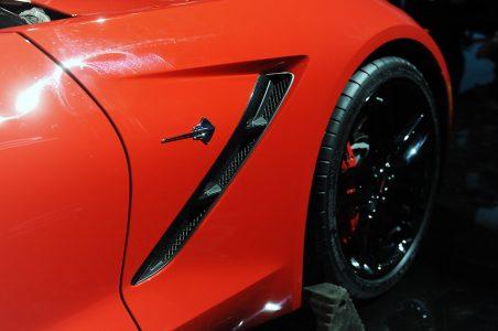 17-2014-chevrolet-corvette-reveal