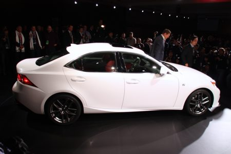 2014-lexus-is-detroit-2013-03