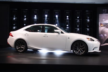 2014-lexus-is-detroit-2013-06