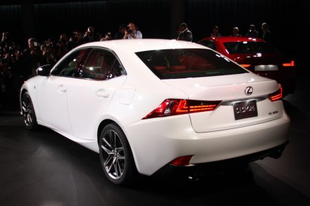 2014-lexus-is-detroit-2013-09