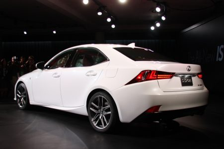 2014-lexus-is-detroit-2013-10
