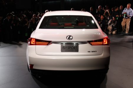 2014-lexus-is-detroit-2013-11
