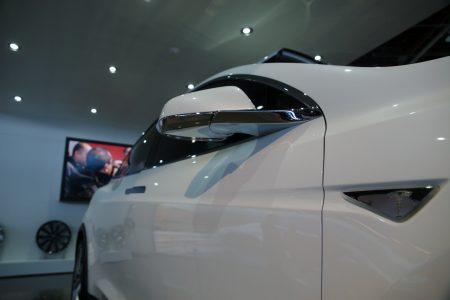 tesla-model-x-detroit-2013-21