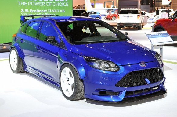 01-ford-focus-trackster-chicago