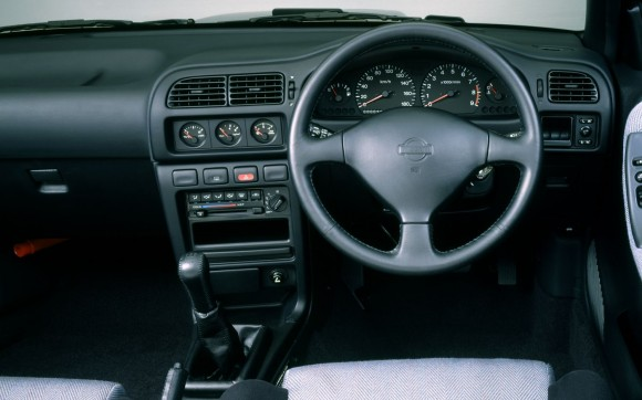 Nissan-Pulsar-GTI-R-Interior