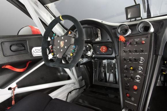 Porsche-911-RSR-2014-9