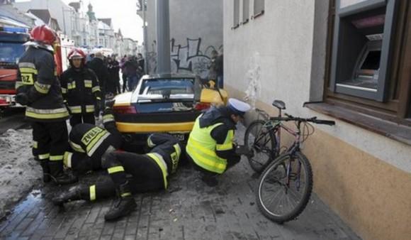 Destruyen un Lamborghini Gallardo LP560-4 Bicolore en Polonia